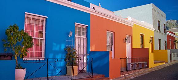 gekleurde huizen nabij cape town