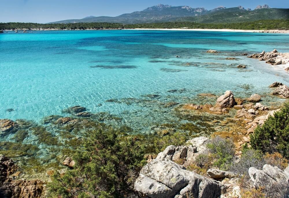 De Costa Smeralda, geliefd onder jetsetters en alle andere zonaanbidders