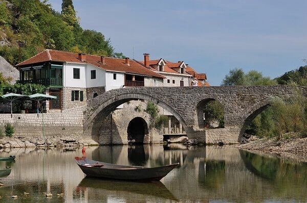 meer over montenegro