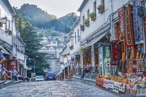 meer over albanie
